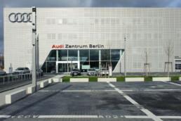 ELBE-Klimadecken für das Exhibition-Center von Audi in Berlin-Adlershof